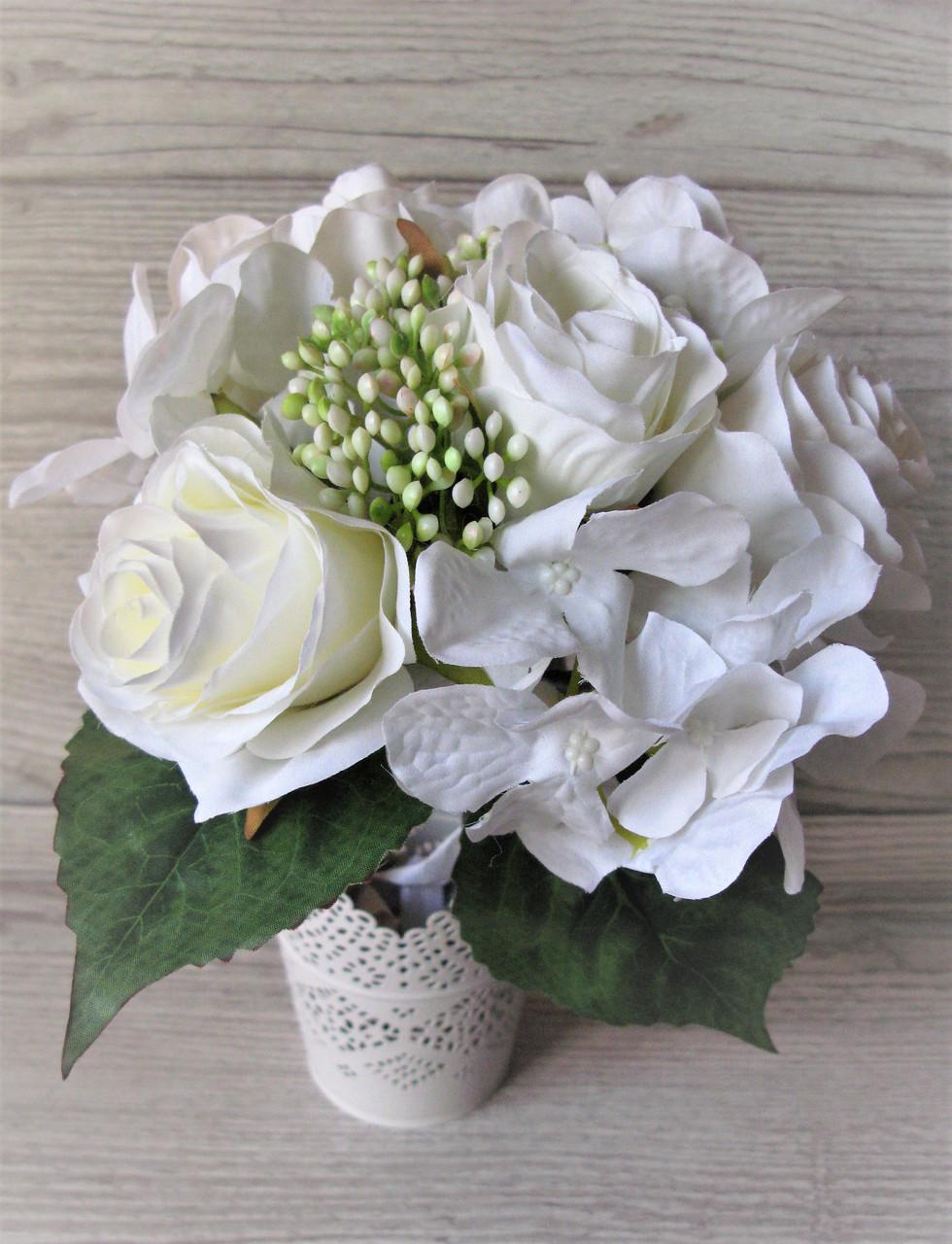 Букет белых роз и гортензий, 6 шт, цена 140 грн.