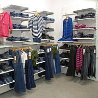 Изготовление торговой мебели, оборудование для магазина молодежной одежды на заказ