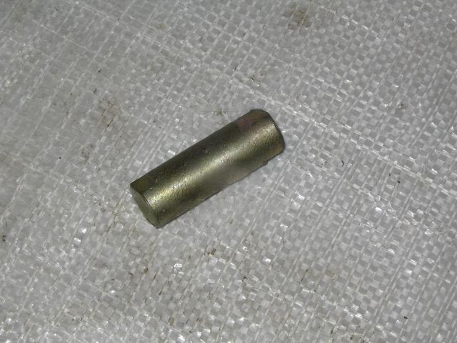 Ось ролика колодки КАМАЗ (Ливарный завод). 5320-3501107