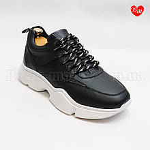 Мужские чёрные кроссовки белая подошва