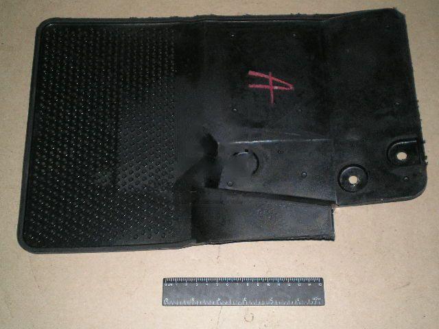 Брызговик левый (передн.колеса) (ЯзРТИ). 2705-5401233