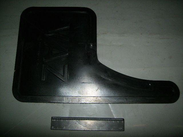 Бризговики правий (передн.колеса) (БРТ). 2109-8403312Р