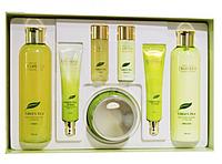 Подарок на 8 марта набор корейской косметики  для девушки  Deoproce Green Tea Essence Moisture Skin Care 5 Set