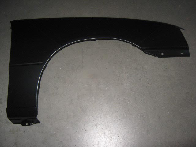 Крыло переднее правое OPEL KADETT 85-91 (TEMPEST). 90244863