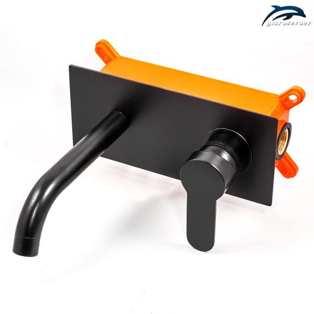 Смеситель для раковины скрытого монтажа SGRB-02 латунный черного цвета.