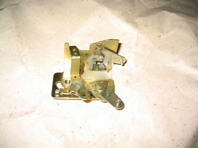 Механізм дверного замка внутрішній правий ГАЗ 3302 (покупн. ГАЗ). 3302-6105486