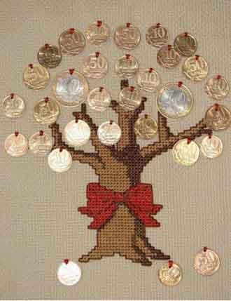 вышитое дерево с монетками
