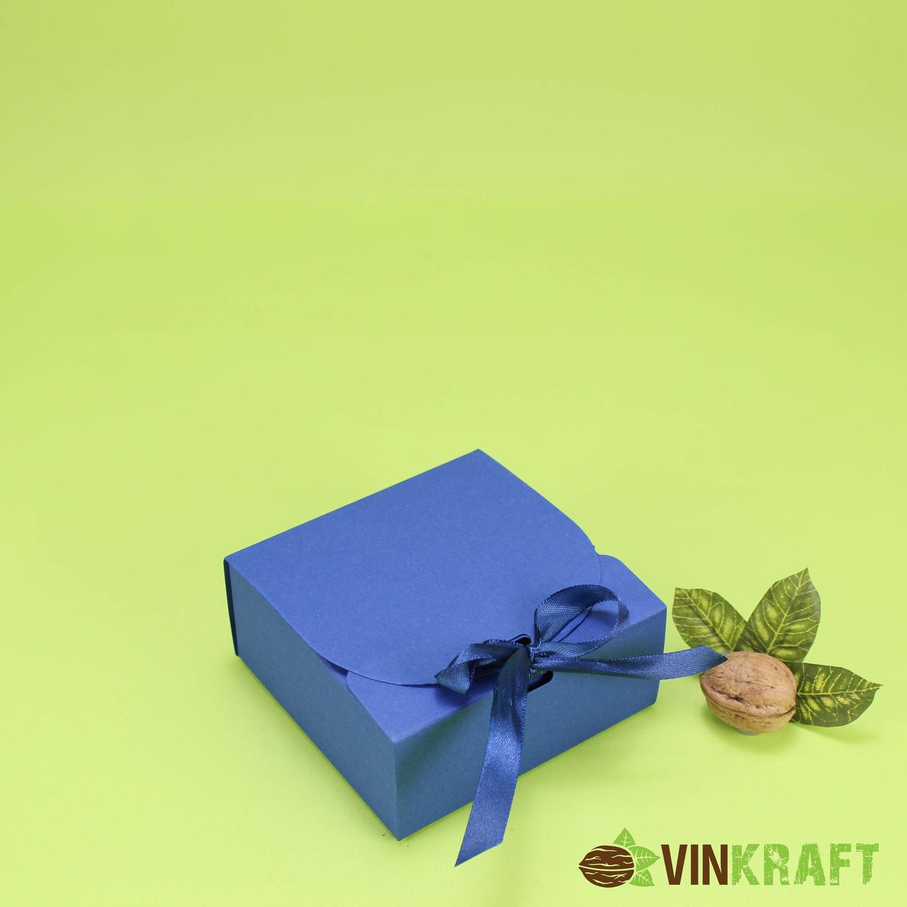Подарункова коробка 115*115*50 з стрічкою, синя