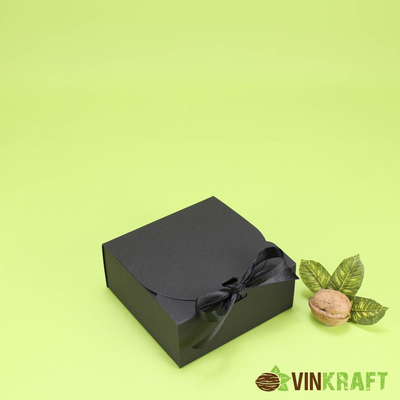 Подарункова коробка 115*115*50 зі стрічкою, чорна