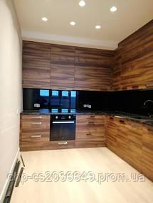 Стеклянная рабочая панель на кухню, Лакобель черного цвета, г. Вишневое