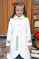 """Дитячі Пальто для Дівчаток """"Українська Леді"""" Молочне з червоною квіткою"""