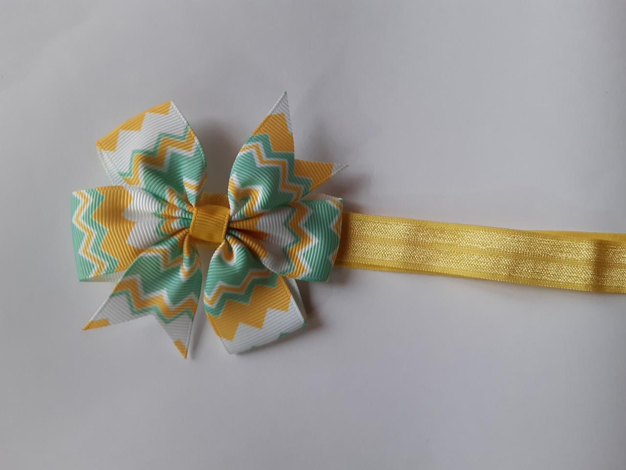 Разноцветная детская повязка на голову для ребенка желтая - размер универсальный (на резинке), бантик 8см