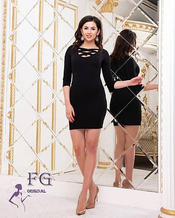 Модное платье мини приталенное с глубоким декольте рукав три четверти черное, фото 2
