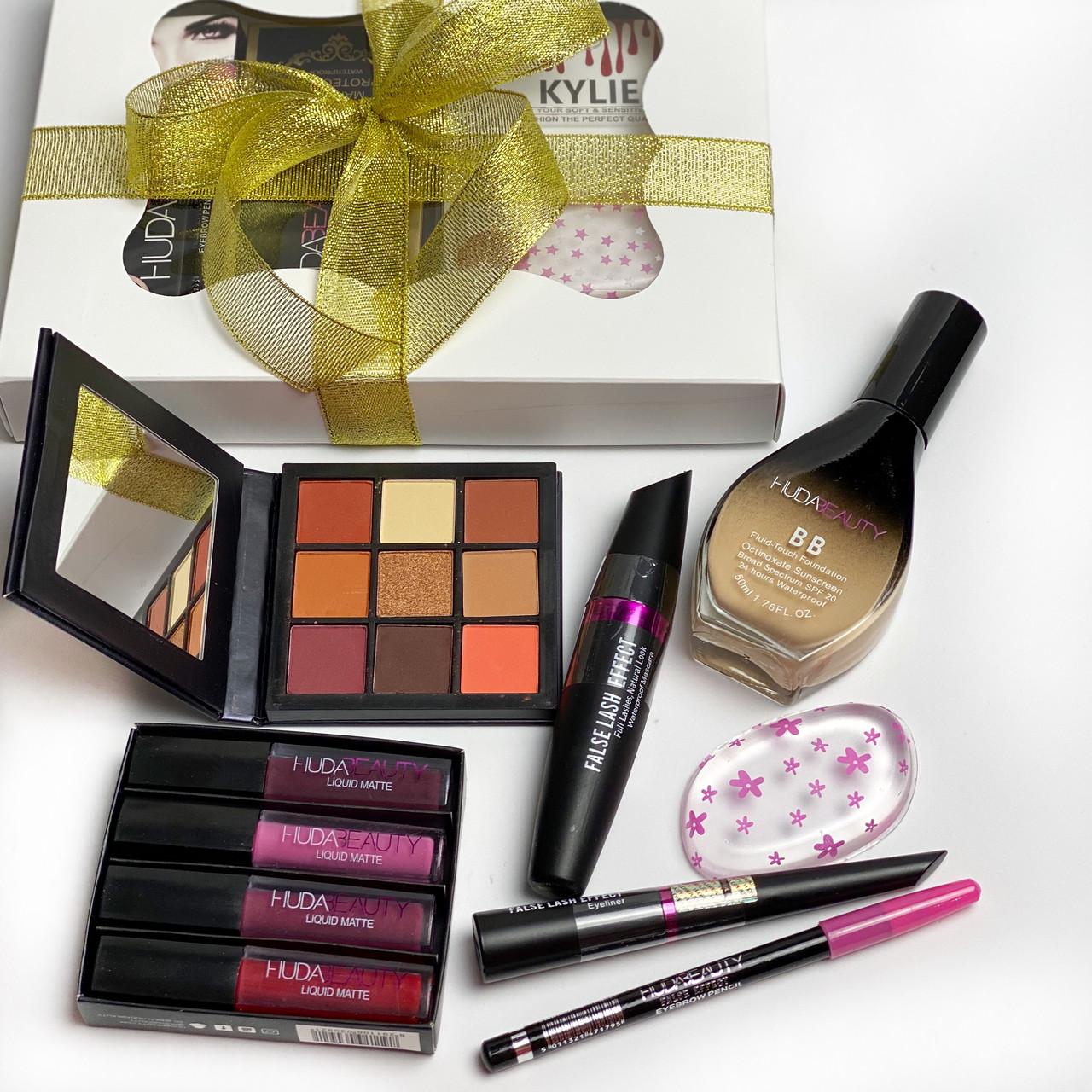 Набор декоративной косметики в красивой подарочной упаковке