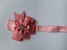 Детская повязка цвета пудры - окружность 36-58см, бант 8см