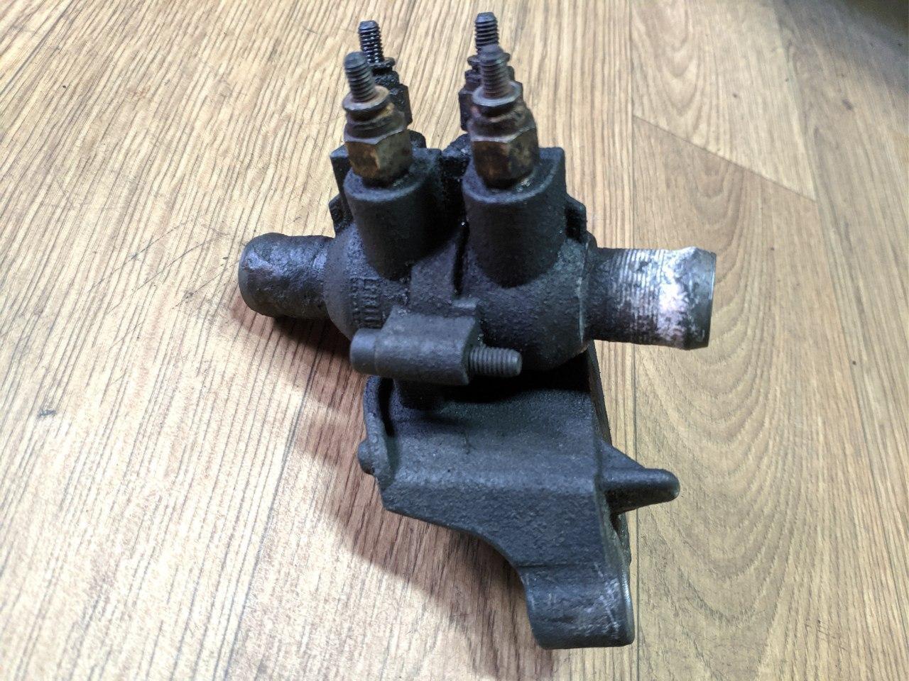 Корпус подогрева свечей тосола Renault Master, Opel Movano 2.3, 2010-, 922000004R (Б/У)