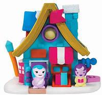 Игровая фигурка Jazwares Nanables Small House Зимний сказка, Книжный магазин Возле камина