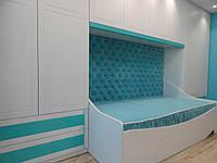 Односпальная кровать с каретной стяжкой. Кровать БИРЮЗА 2.