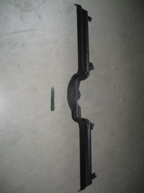 Поперечина пола передняя ВАЗ 21213, 21214 НИВА. 21213-510116000