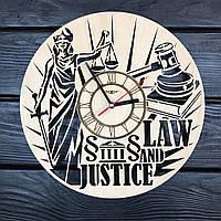 Интерьерные часы из дерева на стену «Закон и справедливость», фото 1
