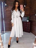 Белое платье-миди с пряжкой