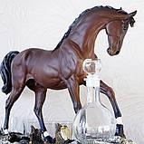 """Подарочный коньячный набор """"Конь"""" стеклянный графин и 6 стопок на подставке из полистоуна, фото 2"""