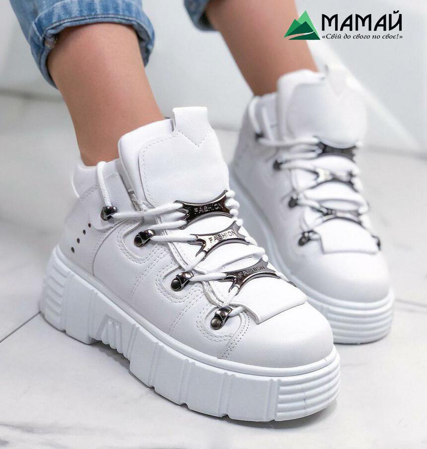 39р Кросівки жіночі білі на платформі