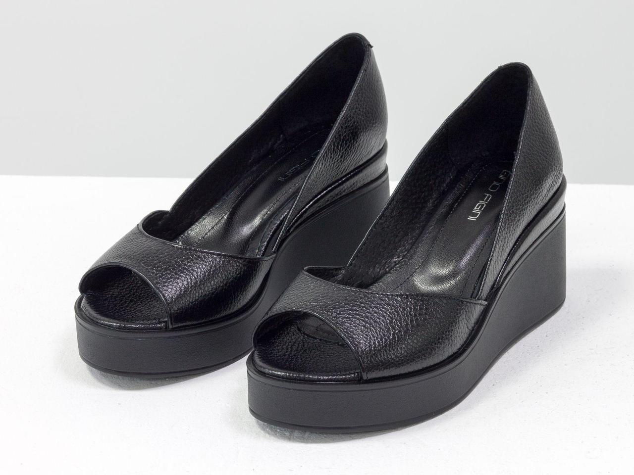 Летние Туфли на танкетке с открытым носиком, из натуральной кожи флотар черного цвета, 36-41