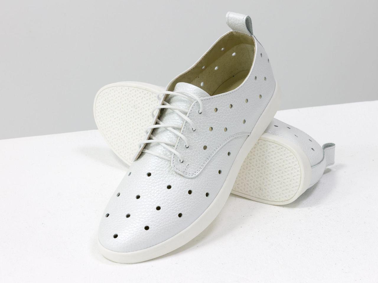 Легкие туфли из натуральной кожи белого цвета с перфорацией по всей поверхности, 36-41