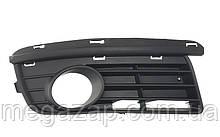 Решетка переднего бампера правая VW Jetta, Golf (05-10)