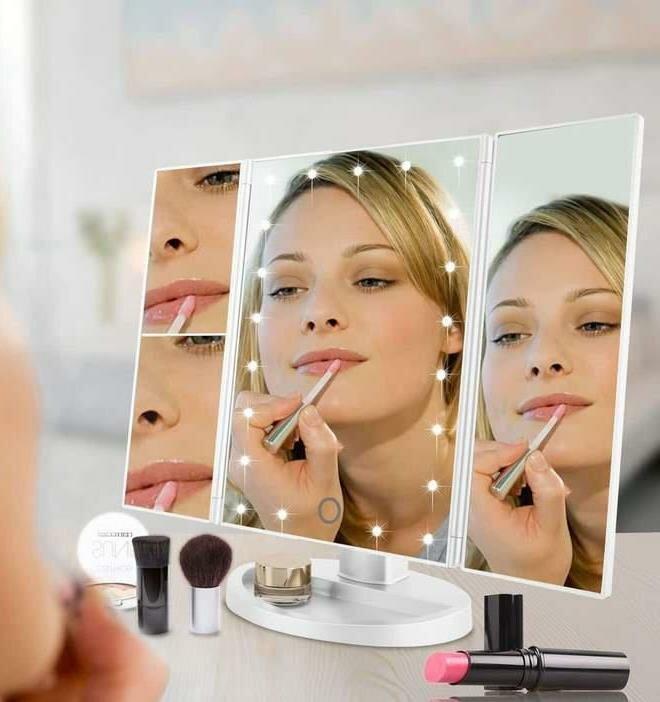 Зеркало тройное для макияжа Superstar Magnifying Mirror с LED-подсветкой прямоугольное с увеличением