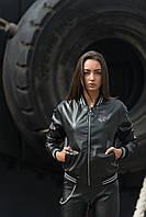Женская куртка-бомбер из эко-кожи черный/черно-белая полоска