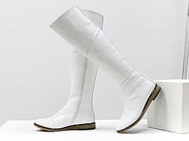 Шикарные белые ботфорты из натуральной кожи с текстурой питон, 36-41р.