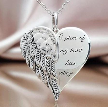 Кулон сердце с крылом серебристое на цепочке