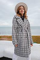 Женское стильное демисезонное пальто в клетку с поясом большого размера