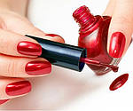 Маникюр красные ногти