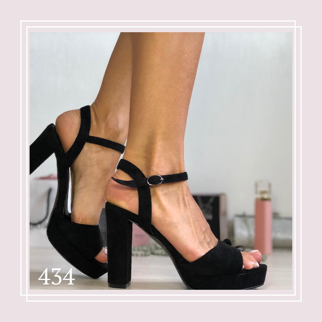 Женские босоножки на высоком каблуке и стрипе, черная замша