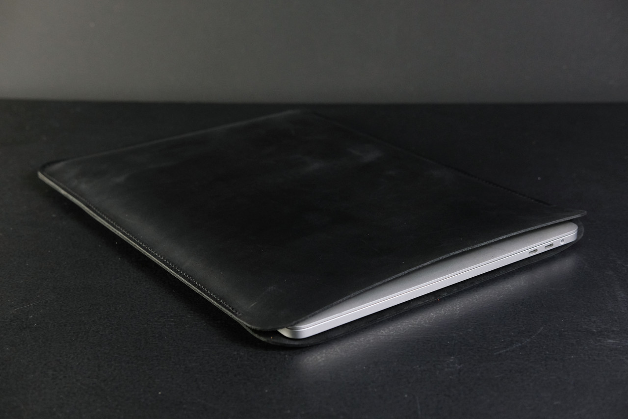 Чехол для MacBook Винтажная кожа цвет Черный