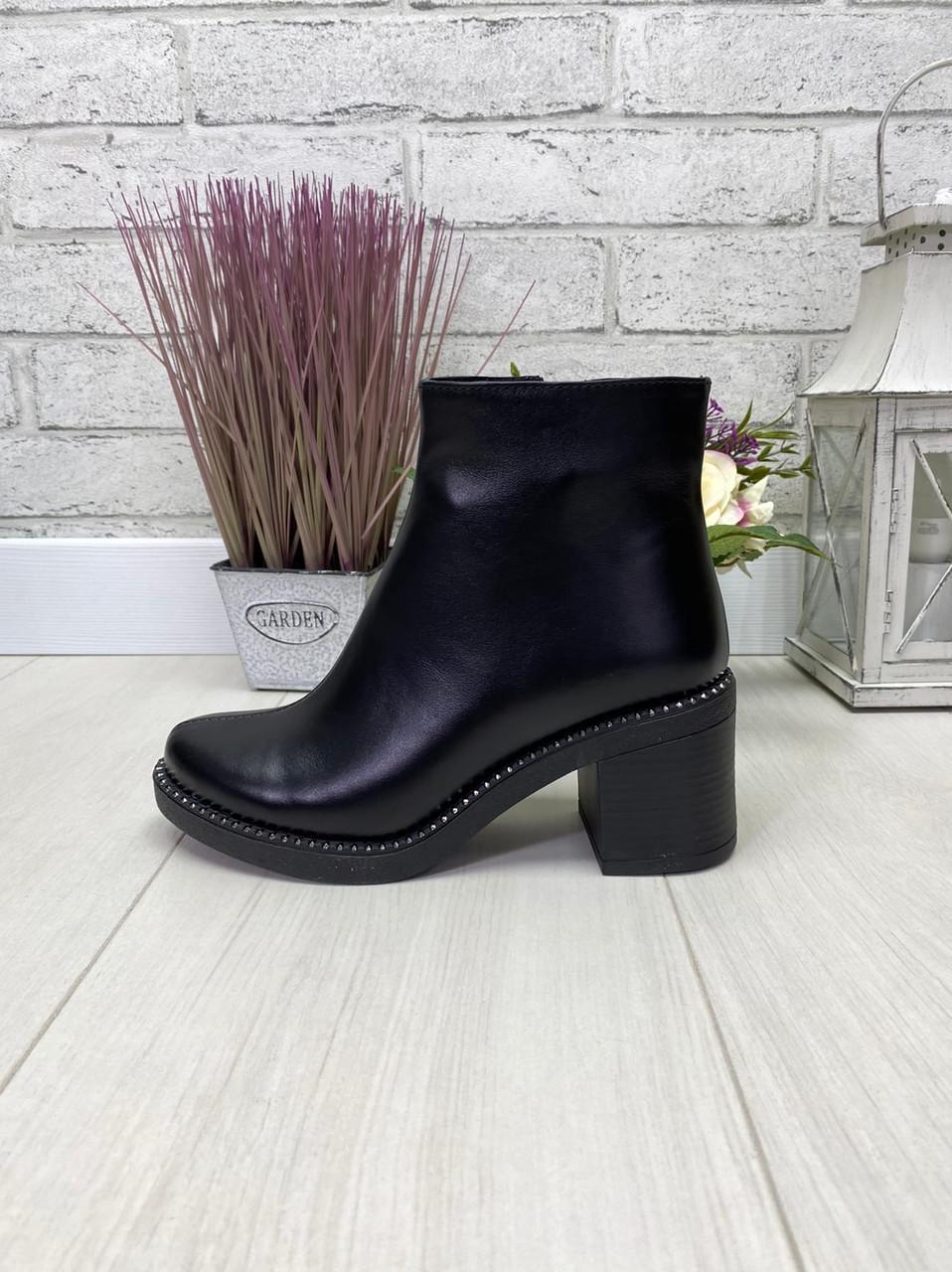 40 р. Ботинки женские деми черные кожаные на среднем каблуке, демисезонные, из натуральной кожи, кожа