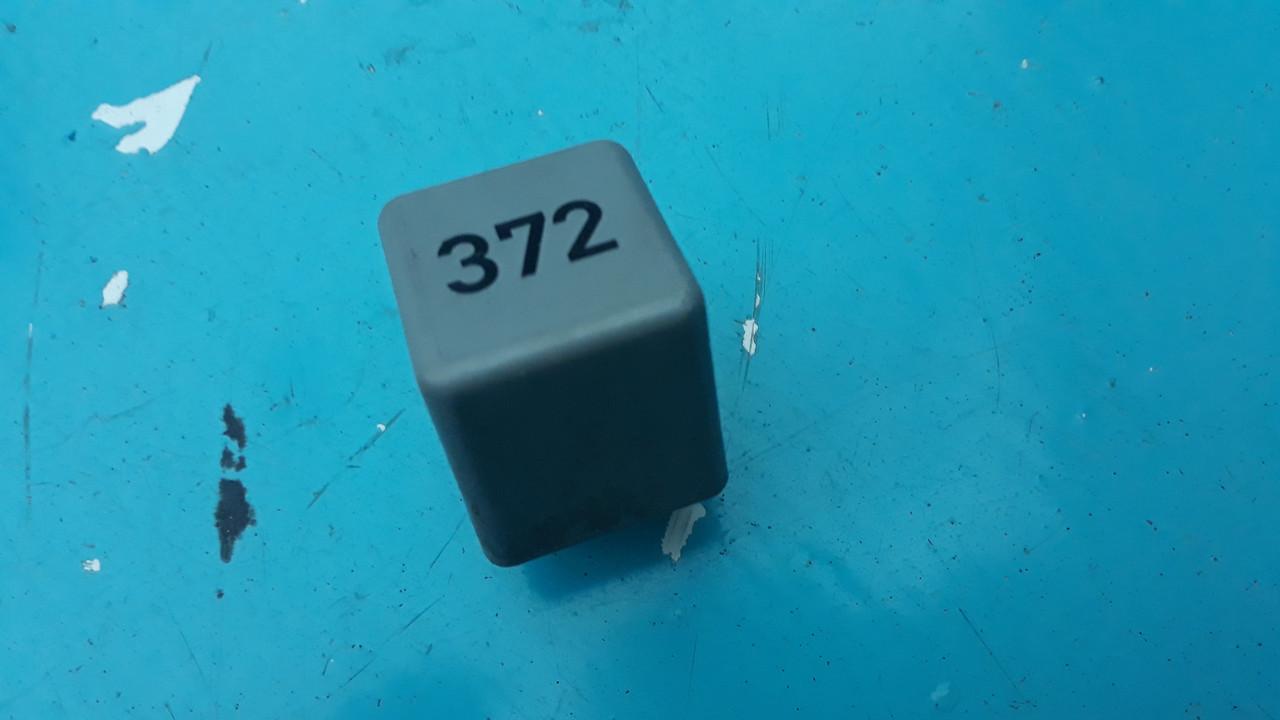 Реле 372 топливного насоса vag audi vw skoda 4d0951253