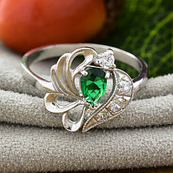 Серебряное кольцо П1068 вставка зелёный фианит вес 2.5 г размер 18