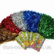 Помпоны для черлидинга разных цветов.