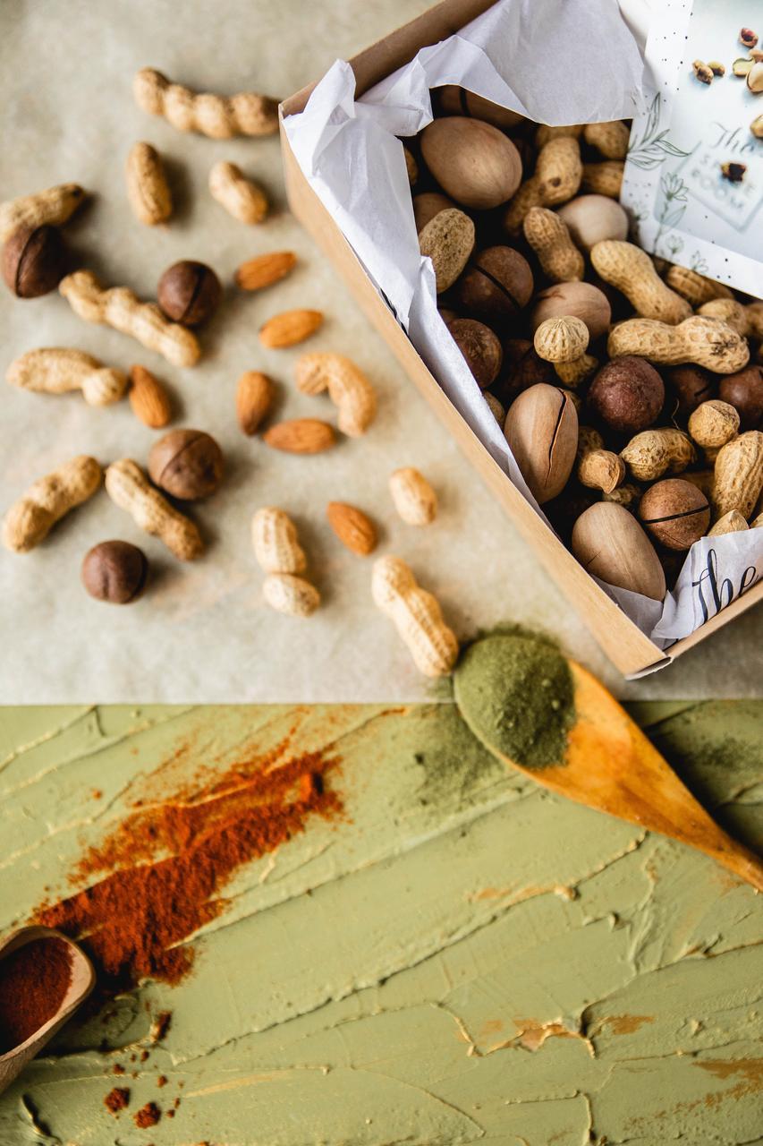 The Spicebox / Орехи в скорлупе