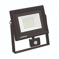Светодиодный прожектор с датчиком движения PARS/S-30 SMD LED 30W 6400K ІР65 2400Lm