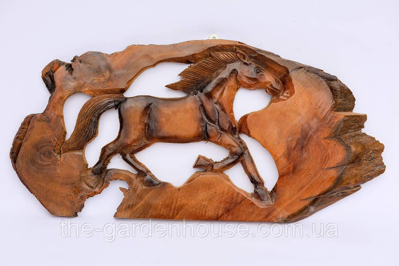 Панно с лошадью (тик), 60 см