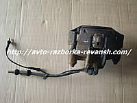 Суппорт передний левый Мерседес Вито 638 Vito бу