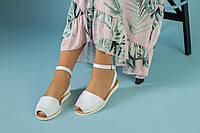 Босоніжки жіночі білі шкіряні на низькому ходу, фото 1