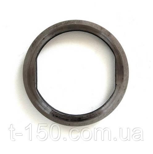 Кольцо уплотнения ведущего колеса ДТ-75 (с лыской)