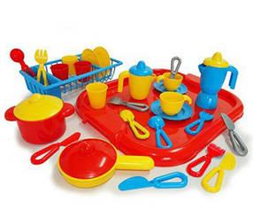 Игрушечная бытовая техника и посуда