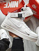 Мужские зимние кроссовки на меху Nike Air Force 1 07 Mid LV8, кожа, полиуретан, белые.
